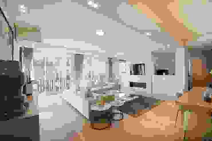 Appartement Paris XVI Salon moderne par Atelier TO-AU Moderne