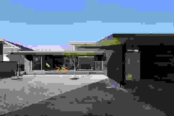 Maisons asiatiques par 長谷川拓也建築デザイン Asiatique