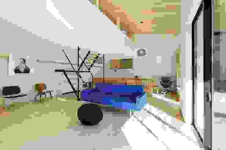 Yakisugi House 和風デザインの リビング の 長谷川拓也建築デザイン 和風