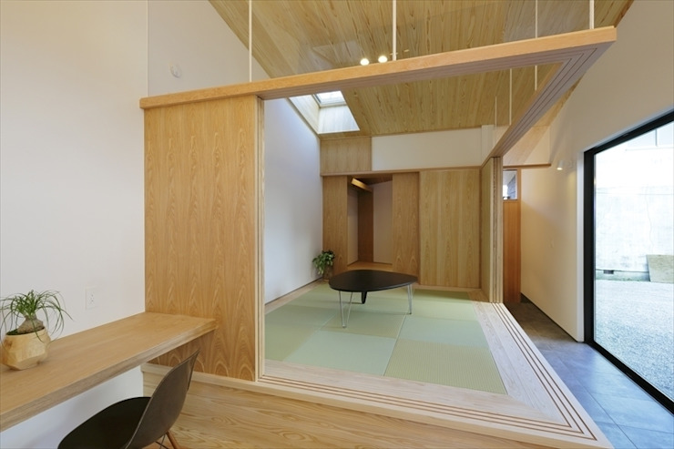 Yakisugi House: 長谷川拓也建築デザインが手掛けた和室です。,和風
