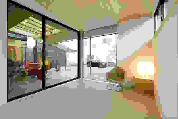 ห้องนอน by 長谷川拓也建築デザイン