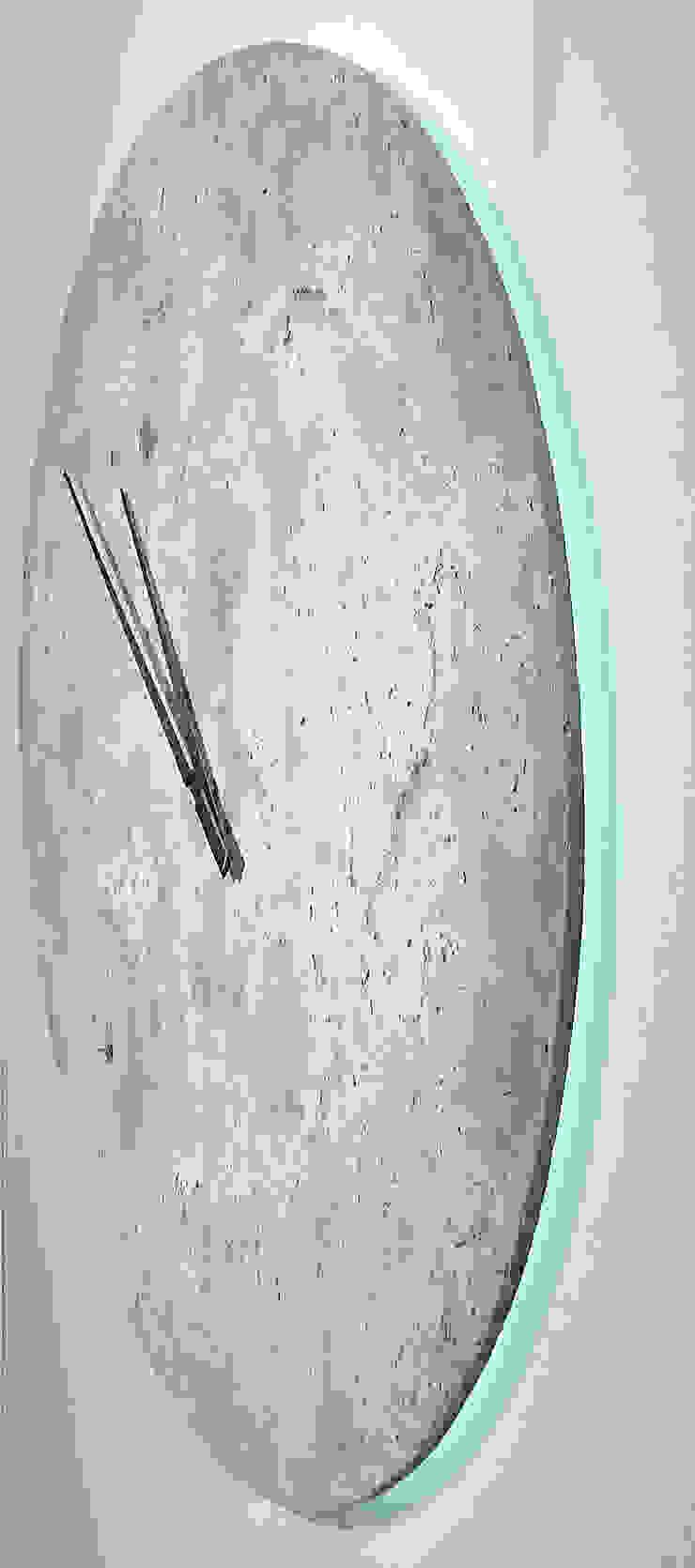 HORLOGE MOON par VERO REATO / BÉTON DE CULTURE Moderne