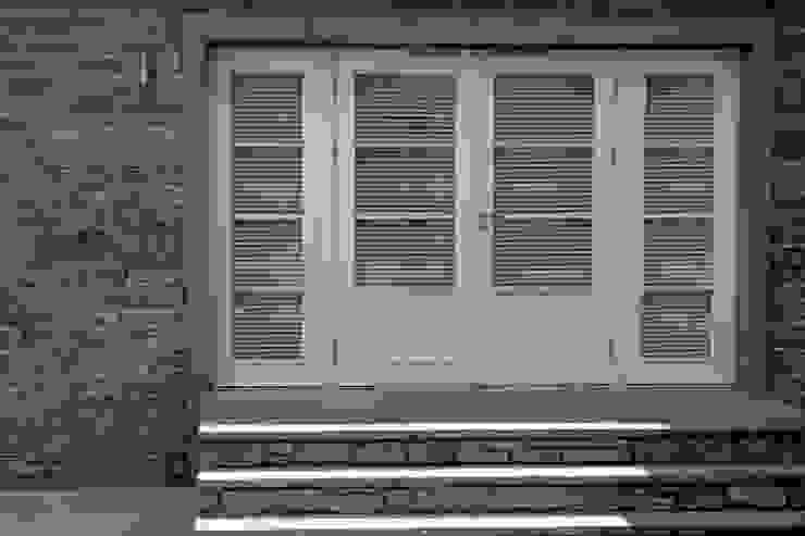 Snowdrop Lodge, Beach Road, St. Cyrus, Aberdeenshire Roundhouse Architecture Ltd Classic style windows & doors