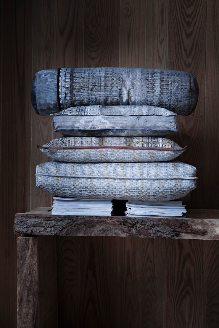 Cushions by Linteloo Lab por LINTELOO Moderno