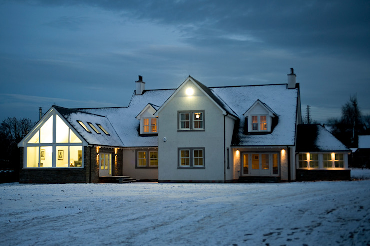 Snowdrop Lodge, Beach Road, St. Cyrus, Aberdeenshire Classic style houses by Roundhouse Architecture Ltd Classic
