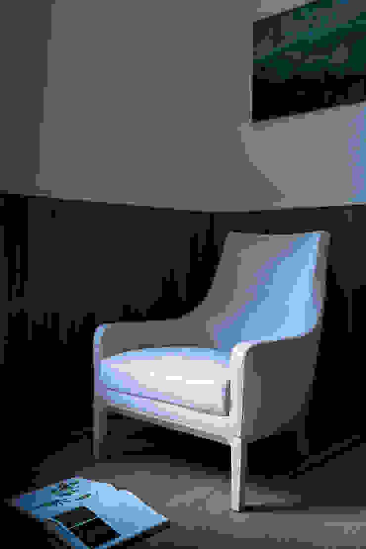 Miles by Niels Bendsten par LINTELOO Moderne