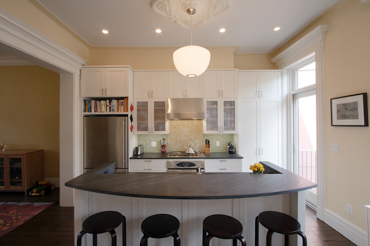 Greenwood Heights Townhouse Classic style kitchen by Ben Herzog Architect Classic