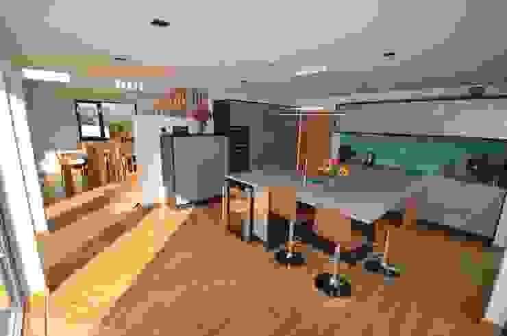 Maryville Passive House Modern kitchen by Joseph Thurrott Architects Modern