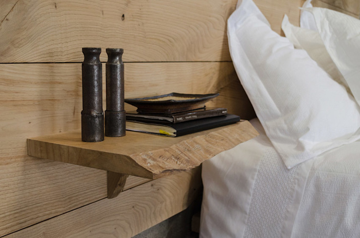 Cabecero de castaño con mesilla incorporada de Cube Deco Escandinavo