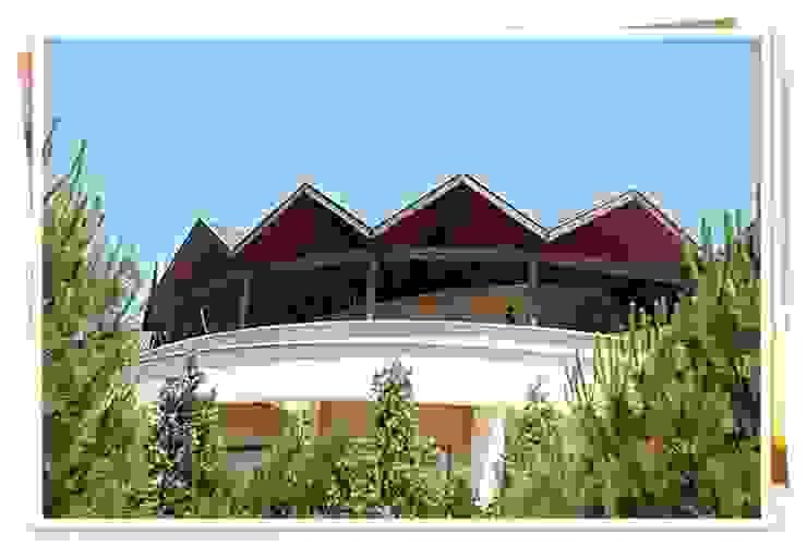 BURSA BADEMLİ / AVNİ ERYILMAZ Rustik Balkon, Veranda & Teras FARFUN AHŞAP DEKORASYON Rustik