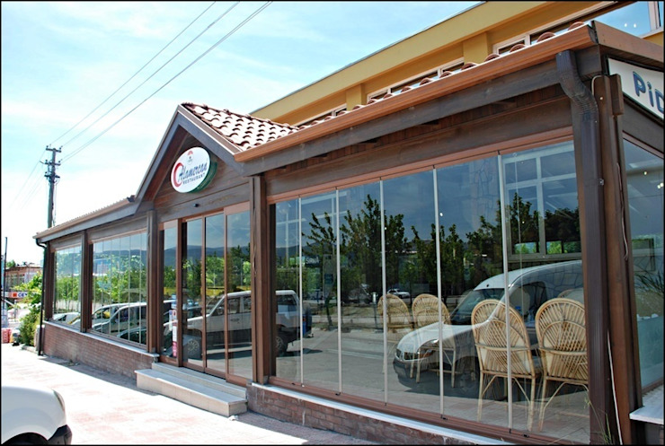 BURSA NİLÜFER / ALOMERCAN Rustik Balkon, Veranda & Teras FARFUN AHŞAP DEKORASYON Rustik
