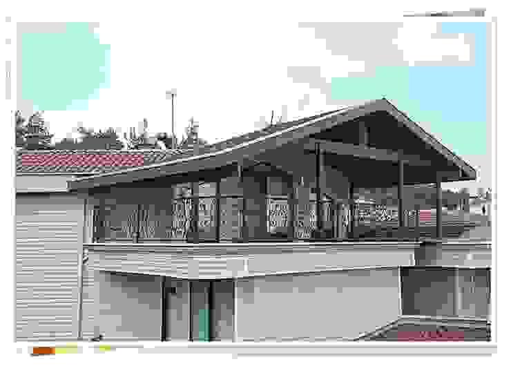 BURSA GÖYNÜKLÜ Rustik Balkon, Veranda & Teras FARFUN AHŞAP DEKORASYON Rustik