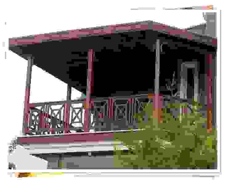 BURSA BADEMLİ/ HALUK EPİRİ Rustik Balkon, Veranda & Teras FARFUN AHŞAP DEKORASYON Rustik