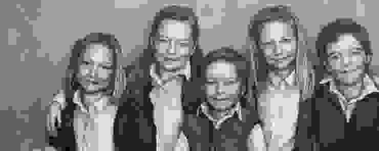 Olieverfportret in opdracht van 5 kleinkinderen: modern  door Saskia Vugts Portretschilder, Modern