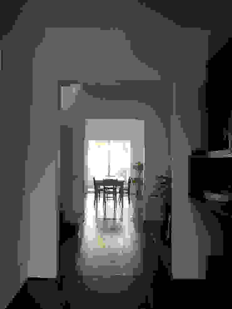 Ristrutturazione di terratetto a Viareggio Bagno minimalista di Giuseppe Cipolla Architetto Minimalista