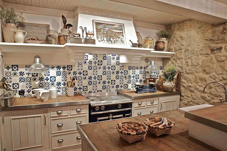 Rustic style kitchen by Urbana Interiorismo Rustic