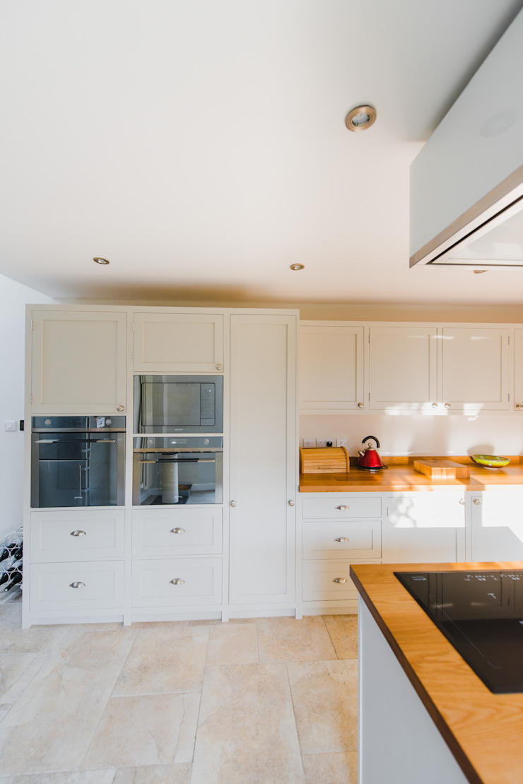 The Quayside Shaker Kitchen NAKED Kitchens Classic style kitchen