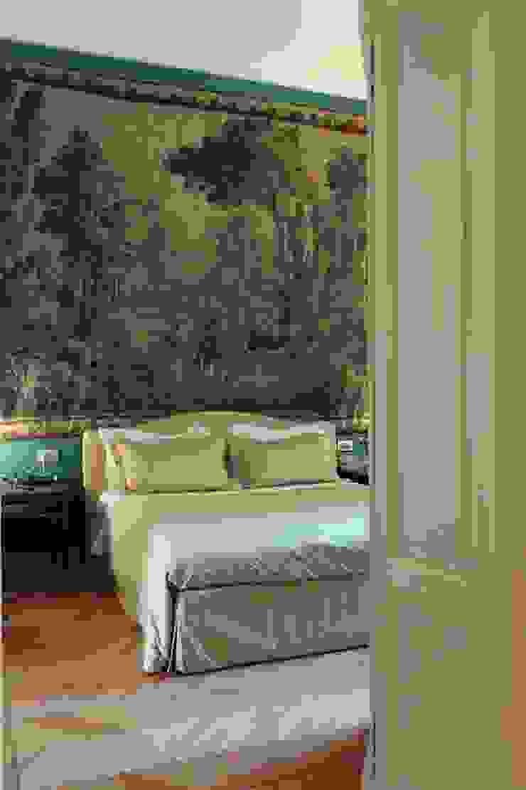 Classic style bedroom by Francesca Bonorandi Classic