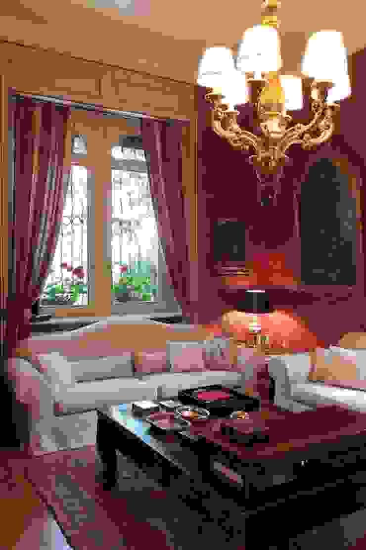Classic style living room by Francesca Bonorandi Classic