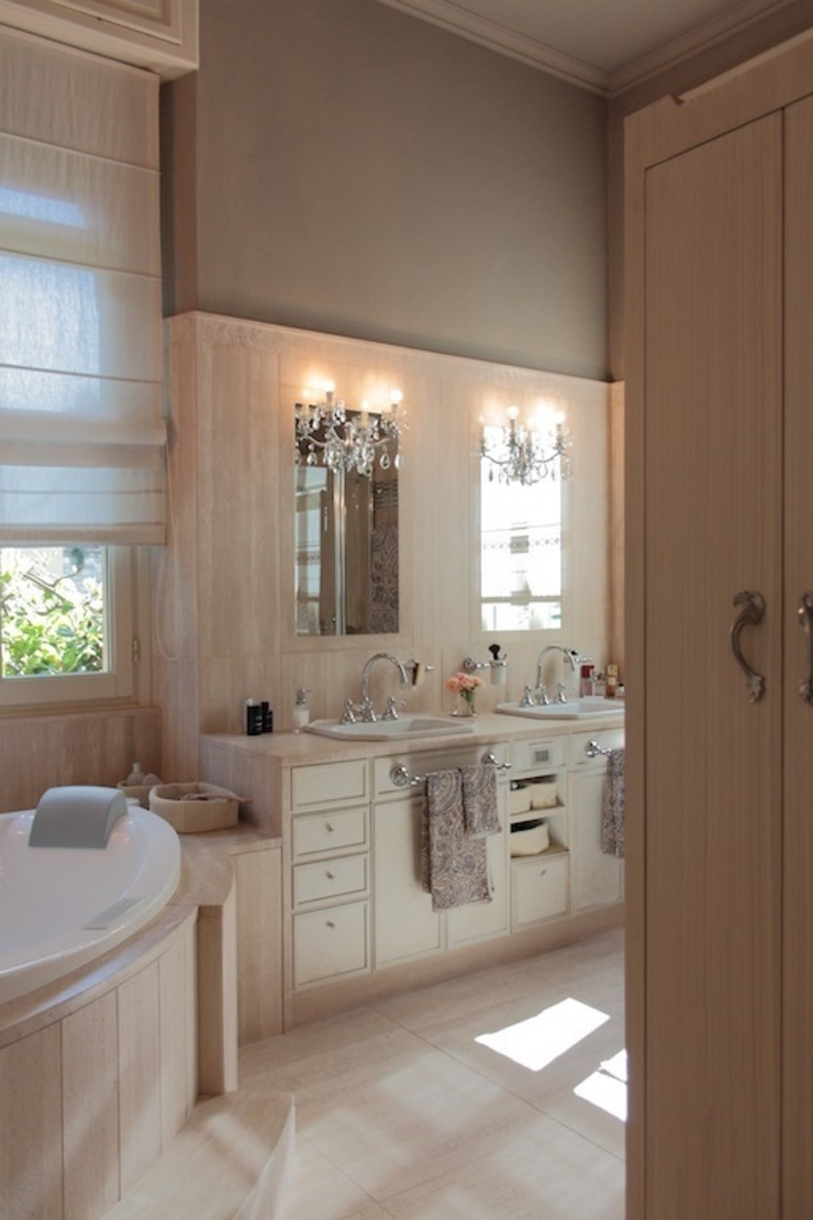 Eclectic style bathroom by Francesca Bonorandi Eclectic