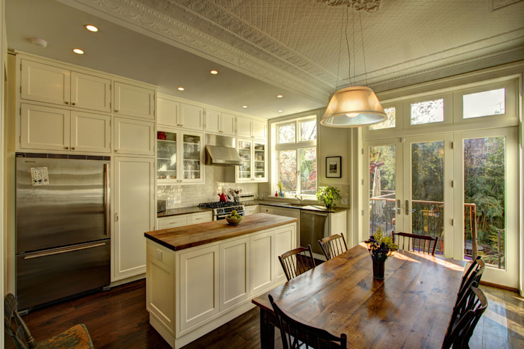 Park Slope Brownstone Colonial style kitchen by Ben Herzog Architect Colonial