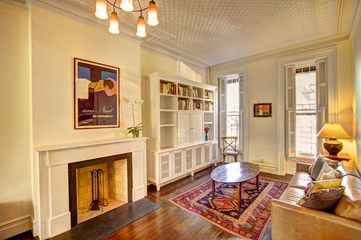 Park Slope Brownstone Colonial style living room by Ben Herzog Architect Colonial