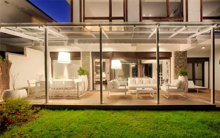 Modern style conservatory by Sube Susaeta Interiorismo Modern