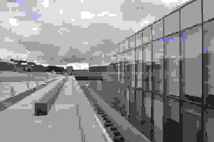 Centro Médico de Boadilla Hospitales de estilo moderno de gonzalo echenique Moderno