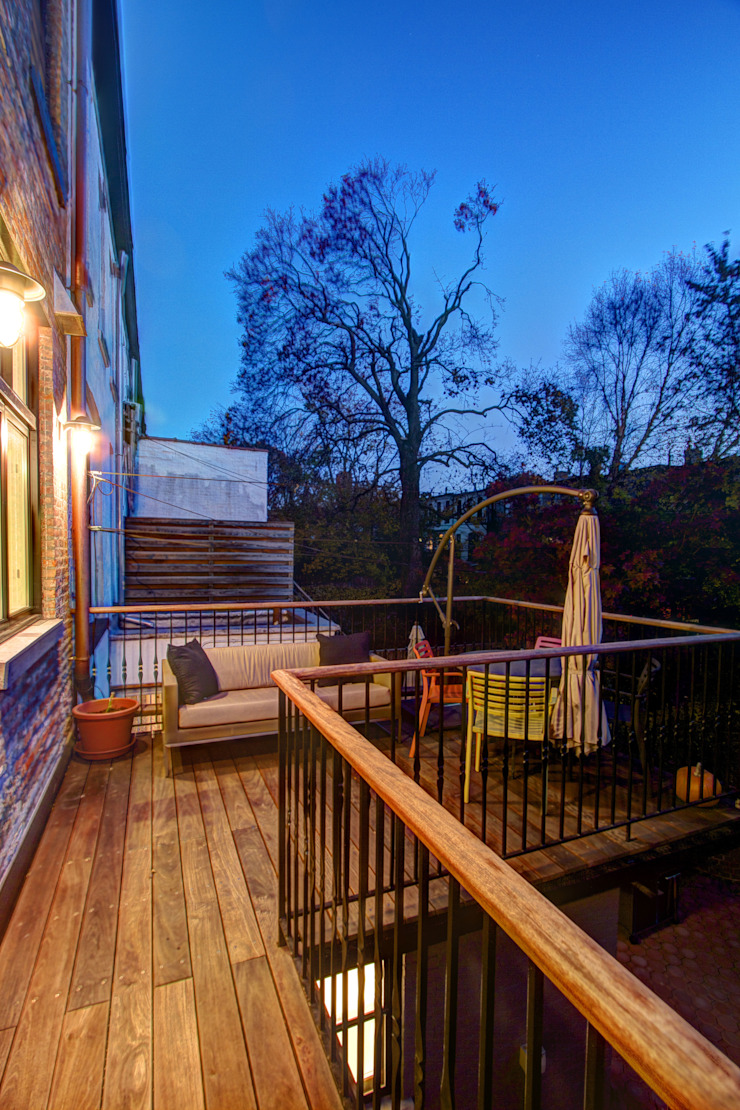 Park Slope Brownstone Colonial style balcony, veranda & terrace by Ben Herzog Architect Colonial