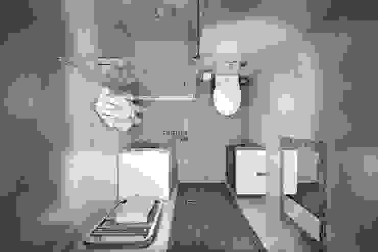 Baños de estilo moderno de Студия архитектуры и дизайна Дарьи Ельниковой Moderno