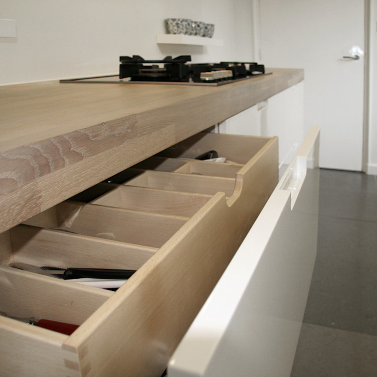Doreth Eijkens | Interieur Architectuur KitchenCutlery, crockery & glassware