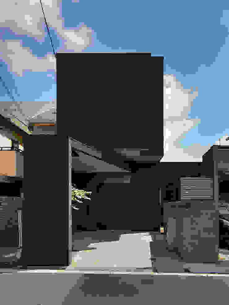 黒壁の家-孫が遊びに来てくれる家- 外観 一級建築士事務所アトリエm モダンな 家 黒色
