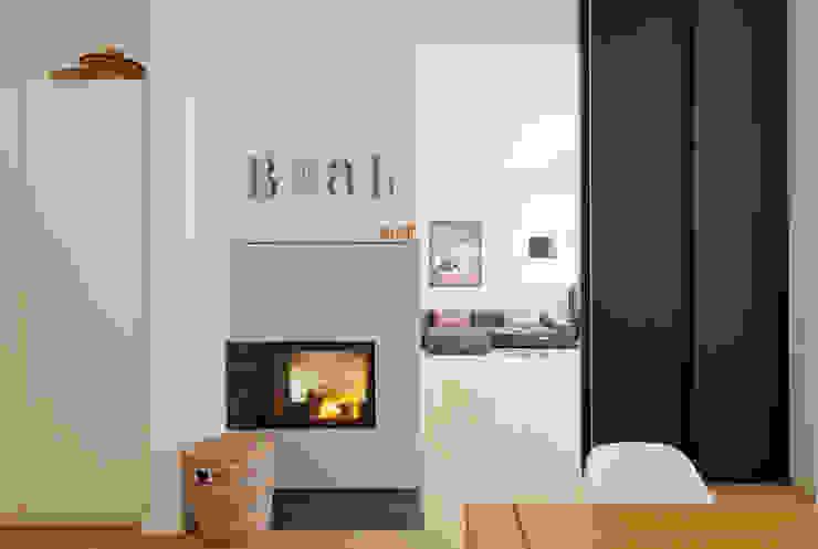 Wohnhaus A in Oldenburg Moderne Wohnzimmer von ANGELIS & PARTNER Architekten mbB Modern
