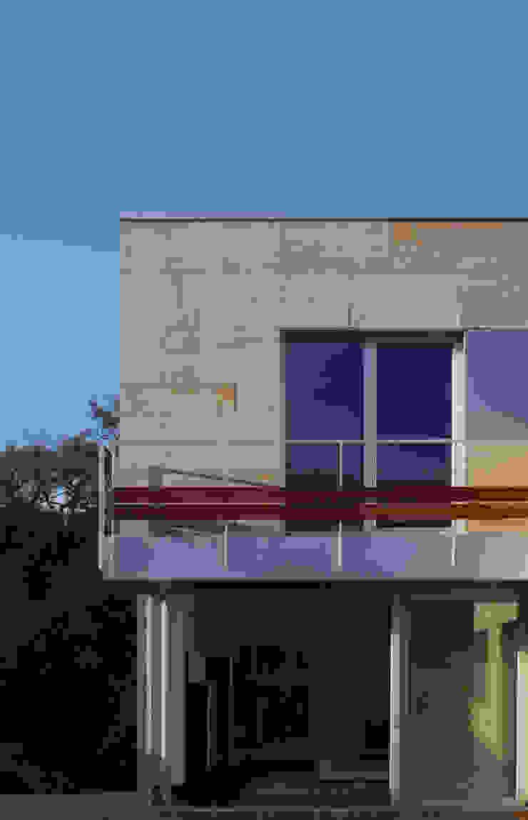 CASA MP Balcones y terrazas de estilo moderno de GLF arquitectos Moderno