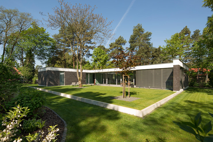 Bungalow by Justus Mayser Architekt, Modern