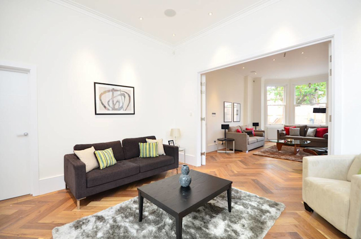 North West London refurbishment and extension Modern living room by London Refurbishments Modern