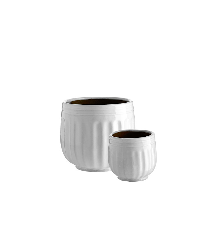 Ceramic Plant Pots: classic  by Andrassy Living, Classic