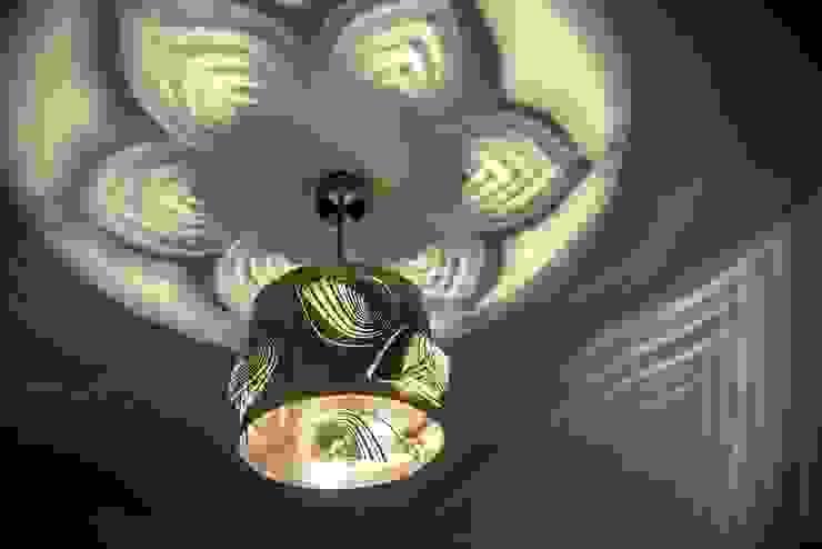 Leaves od Archerlamps - Lighting & Furniture Nowoczesny