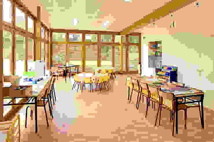 Pôle périscolaire de Venoy (89290) Ecoles modernes par Didier GALLARD ARCHITECTE Moderne