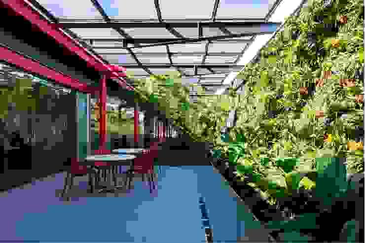 Espaço de Convivência - Núcleo de Operações Centrais: Espaços comerciais  por LoebCapote Arquitetura e Urbanismo