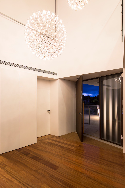 Casa PL Corredores, halls e escadas modernos por Atelier Lopes da Costa Moderno