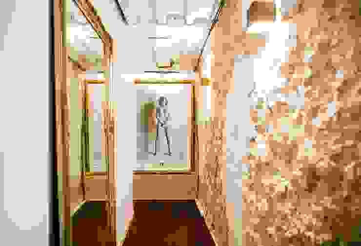 Appartement Montorgueil Paris Hélène de Tassigny Couloir, entrée, escaliers originaux