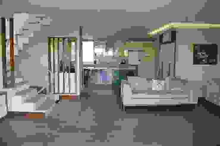 Living room by Mimkare İçmimarlık Ltd. Şti.