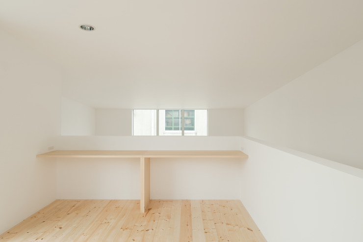 Salas multimídia  por 井戸健治建築研究所 / Ido, Kenji Architectural Studio