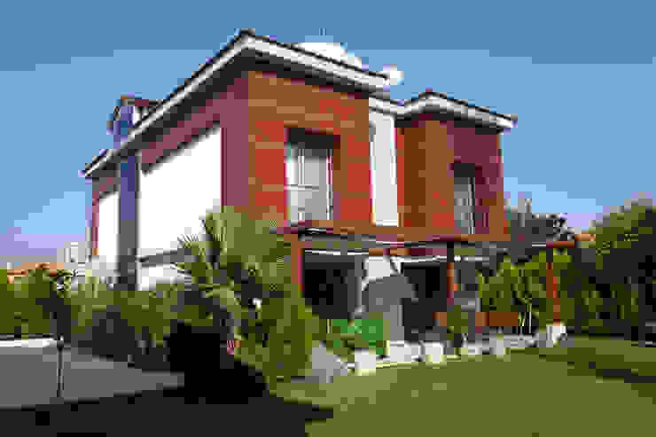 E. BUYUKKOKDERE SAHILEVLERI EV Mimkare İçmimarlık Ltd. Şti. Modern Balkon, Veranda & Teras