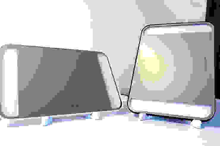 탁상형 가로 및 세로 거치: 주식회사 에이티옵트로닉스 (AT Optronics Corporation)의 현대 ,모던