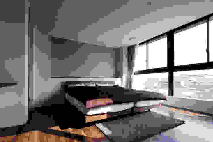 連島の家-kurashiki- モダンスタイルの寝室 の タカオジュン建築設計事務所-JUNTAKAO.ARCHITECTS- モダン