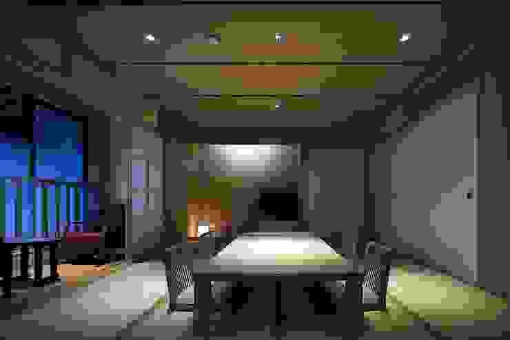 城崎温泉湯楽 Yuraku Kinosaki Spa & Gardens アジア風ホテル の 有限会社 ディー・アーキテクツ 和風 木 木目調