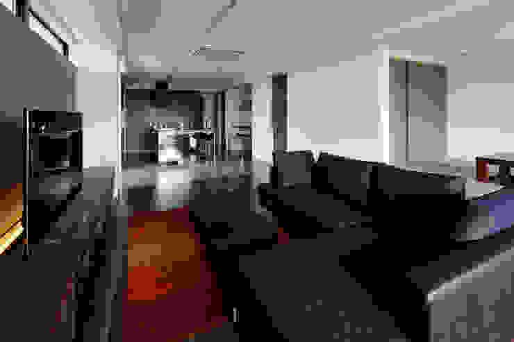 連島の家-kurashiki- モダンデザインの リビング の タカオジュン建築設計事務所-JUNTAKAO.ARCHITECTS- モダン