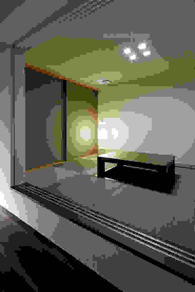 連島の家-kurashiki- モダンデザインの 多目的室 の タカオジュン建築設計事務所-JUNTAKAO.ARCHITECTS- モダン